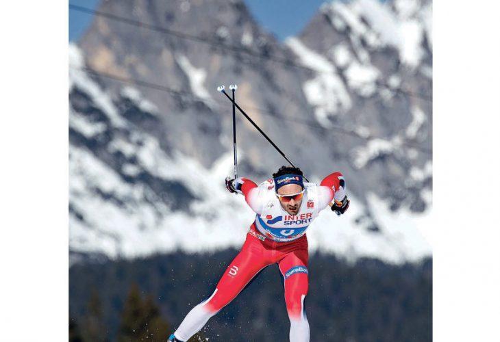FOSSET FRAM: Hans Christer Holund vant 5-mila under VM på Ski i Seefeld sist vinter på sine lynraske Madshus ski. Senere trakk han seg fra videre samarbeid.