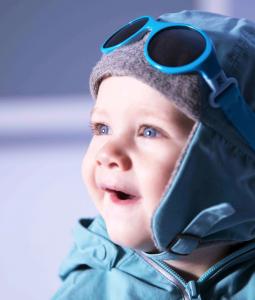 Derfor bør barn bruke solbriller om vinteren