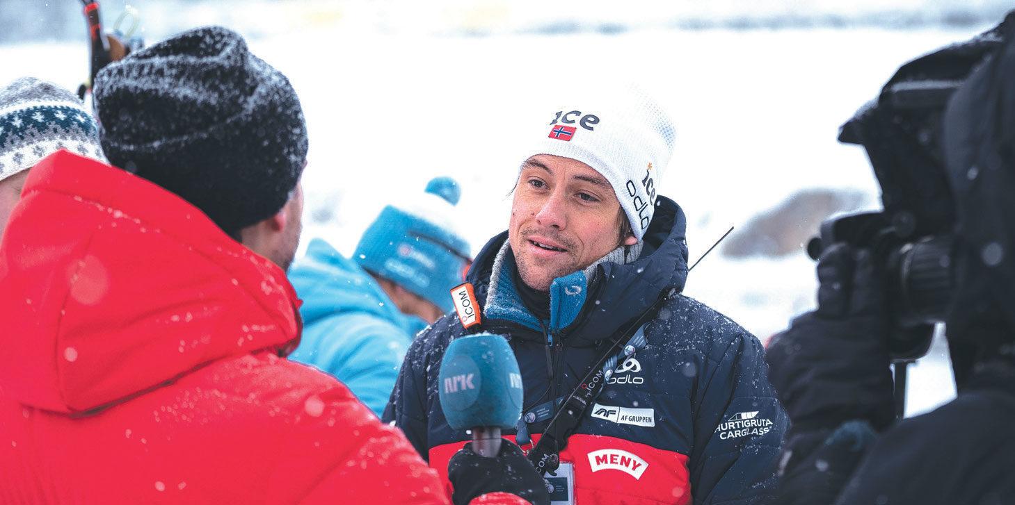 FORNØYD: Anders Brun Hennum er trener for gutta på rekruttlaget og har all grunn til å smile denne sesongen. Foto: Sondre Hensema Eriksen/Norges Skiskytterforbund